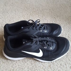 Nike flex tr5 only worn once